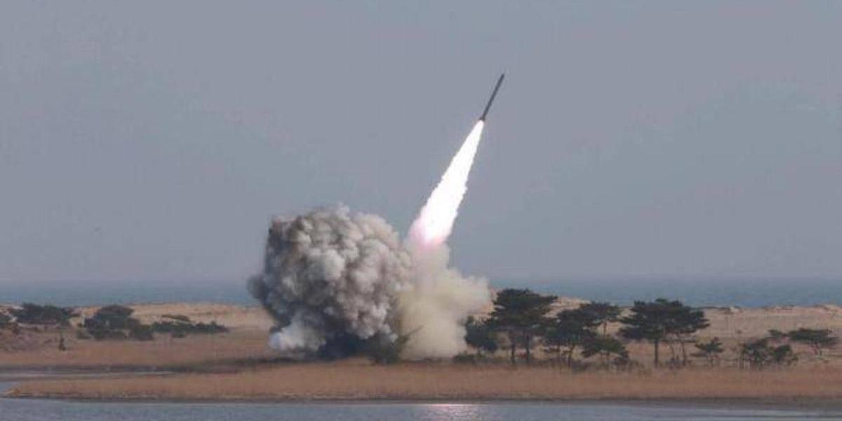 Corea del Norte lanza misil a Japón