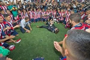 Chivas iguala al América en títulos