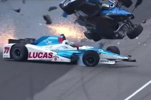 VIDEO: Aparatoso accidente en la Indy 500 ¡se salva de milagro!