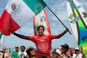 ¡Orgullo nacional! Mexicano se corona en Mundial de Surf