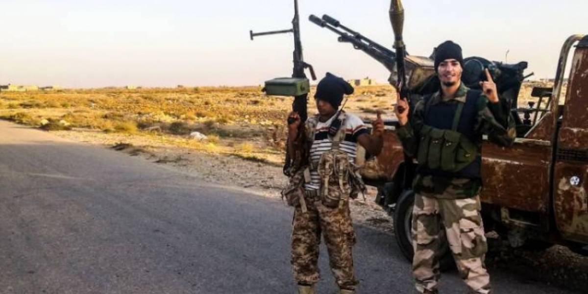 Yihadistas ejecutan a 12 civiles e incendian hospital en Mosul