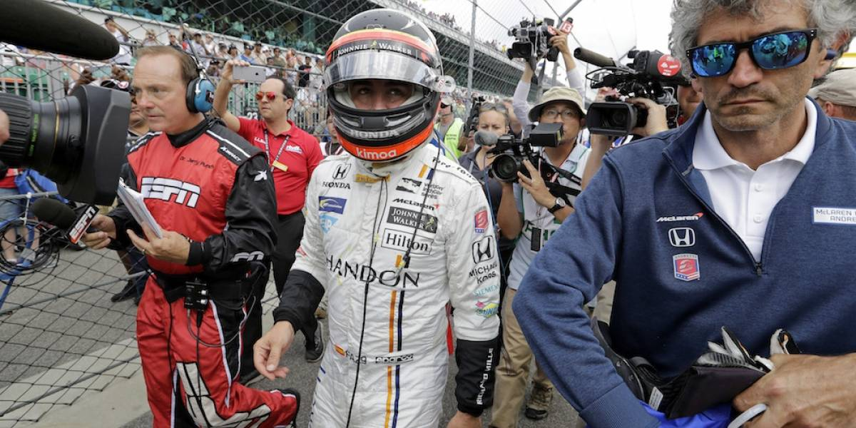 Fernando Alonso rompe su motor y queda fuera de las 500 millas de Indianápolis