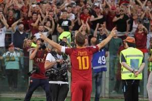 Las emotivas imágenes de la despedida de Totti