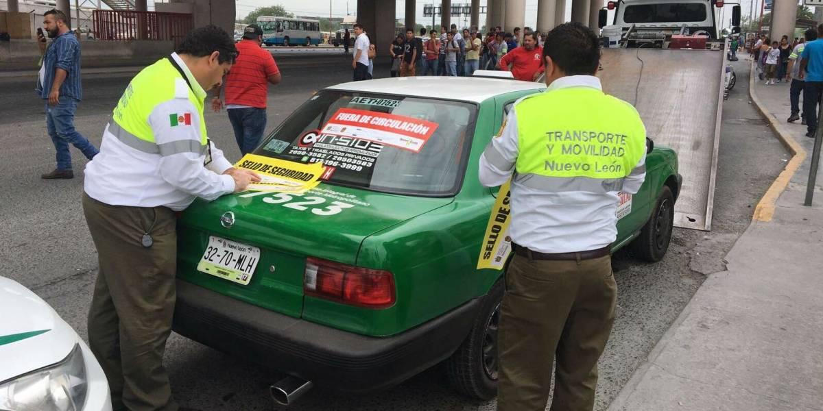 Suspenden taxis de Nuevo León por alterar tarifa