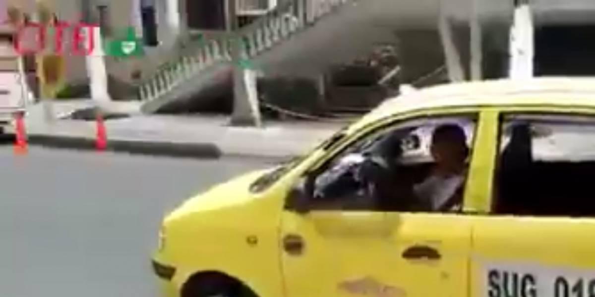 Video: taxista se niega a llevar a una pasajera y policía lo respalda