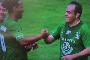 VIDEO: Cuauhtémoc Blanco se lució en el partido de despedida del Vicente Calderón