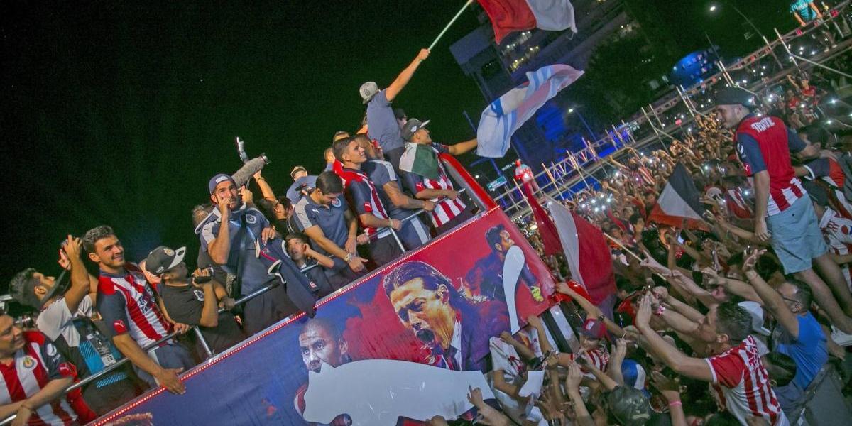 FOTO: Así fueron los festejos de Chivas en la Minerva