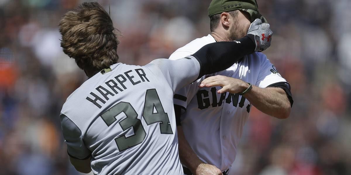 Pelotazo a Bryce Harper resulta en pelea contra Gigantes
