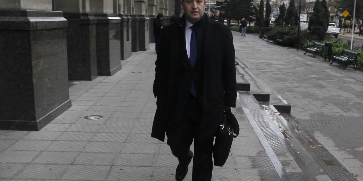 Fiscal Guerra dice que Sofofa aún no entrega micrófonos y no descarta montaje