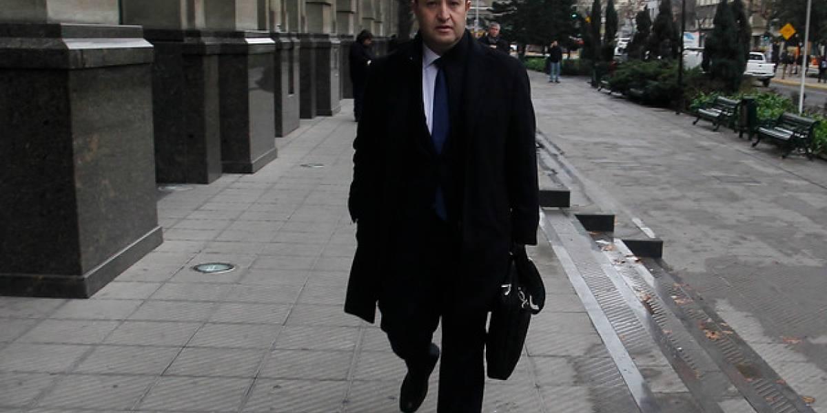 Fiscal Guerra por espionaje: asegura que Sofofa aún no entrega micrófonos y no descarta montaje