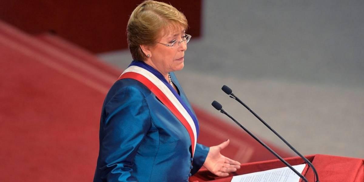 """Analistas sostienen que """"Nueva Constitución"""" debiese ser un eje fundamental en la próxima cuenta pública"""