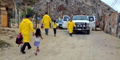 Buscan a dos personas desaparecidas en río en Oaxaca