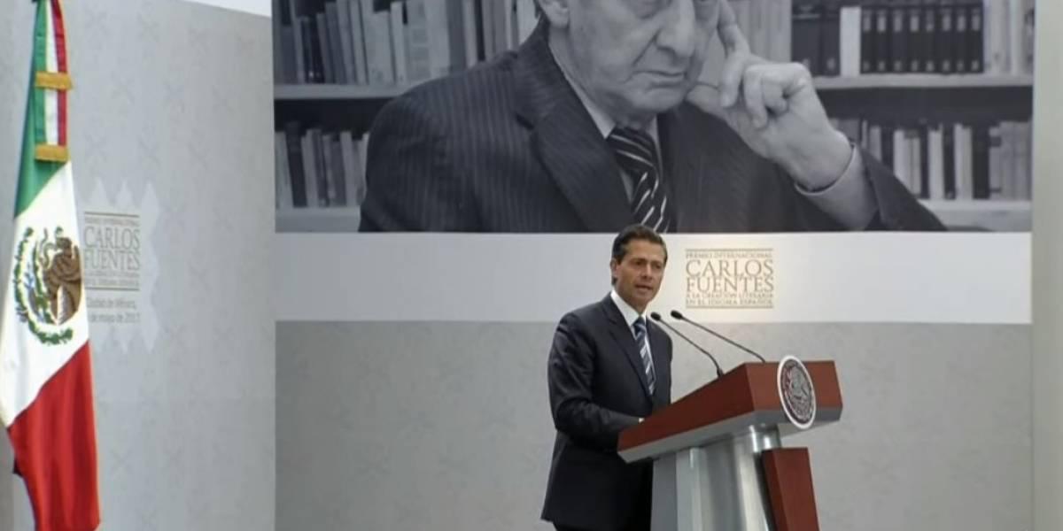 Peña Nieto se compromete a defender la libertad creativa y de expresión