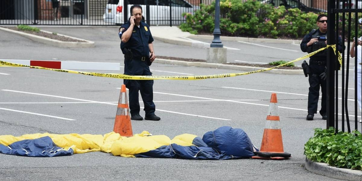 Paracaidista de la Marina de EEUU muere al fallar su equipo