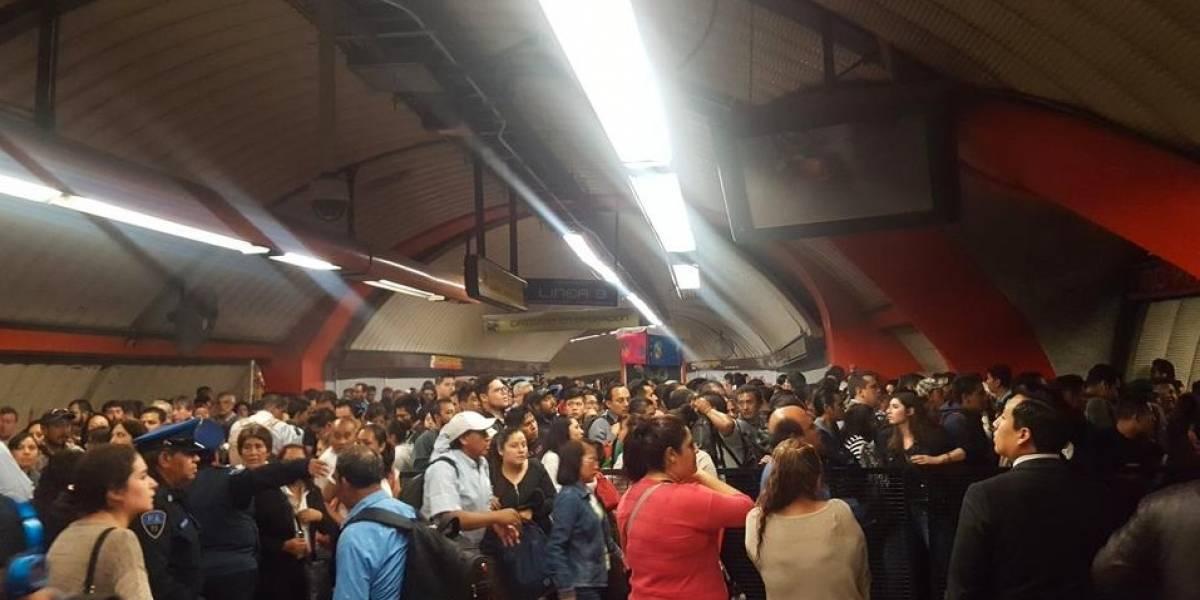 Falla eléctrica paraliza Línea 9 del Metro