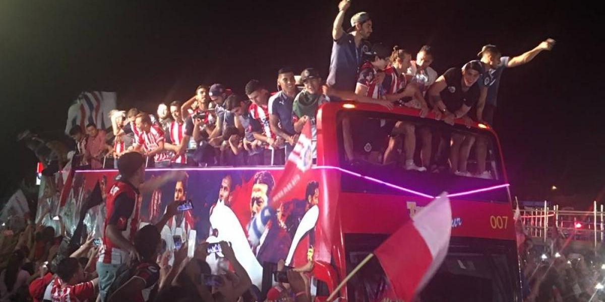 Festejos por título de Chivas dejaron siete lesionados