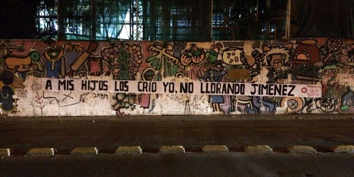 """""""No a la dictadura gay"""": Movimiento Social Patriota genera polémica con letreros homofóbicos en las calles"""