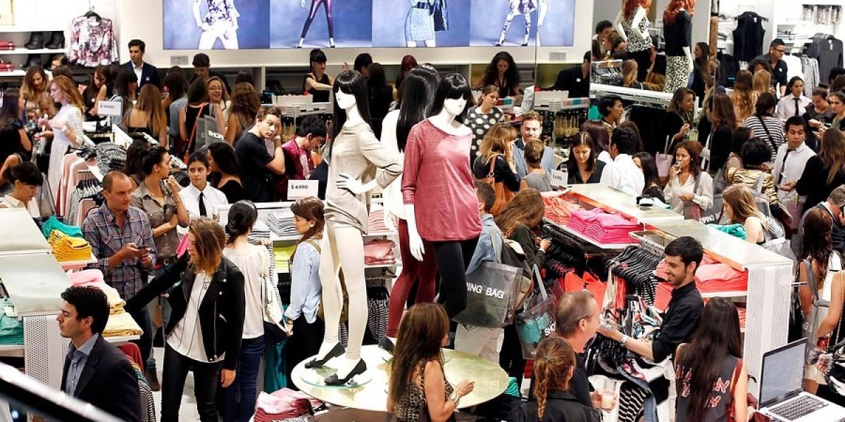 Sindicato de tienda de ropa inicia huelga legal