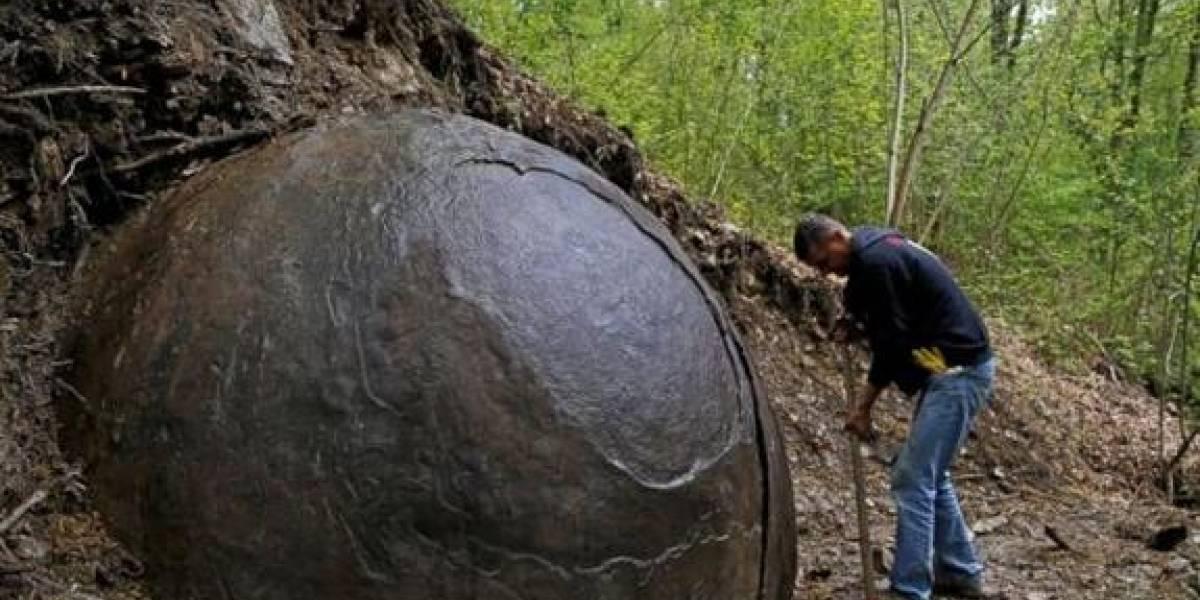 Una misteriosa roca redonda en Bosnia se convierte en un imán para turistas
