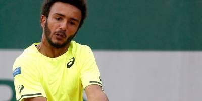 Apartan del Roland Garros a tenista francés
