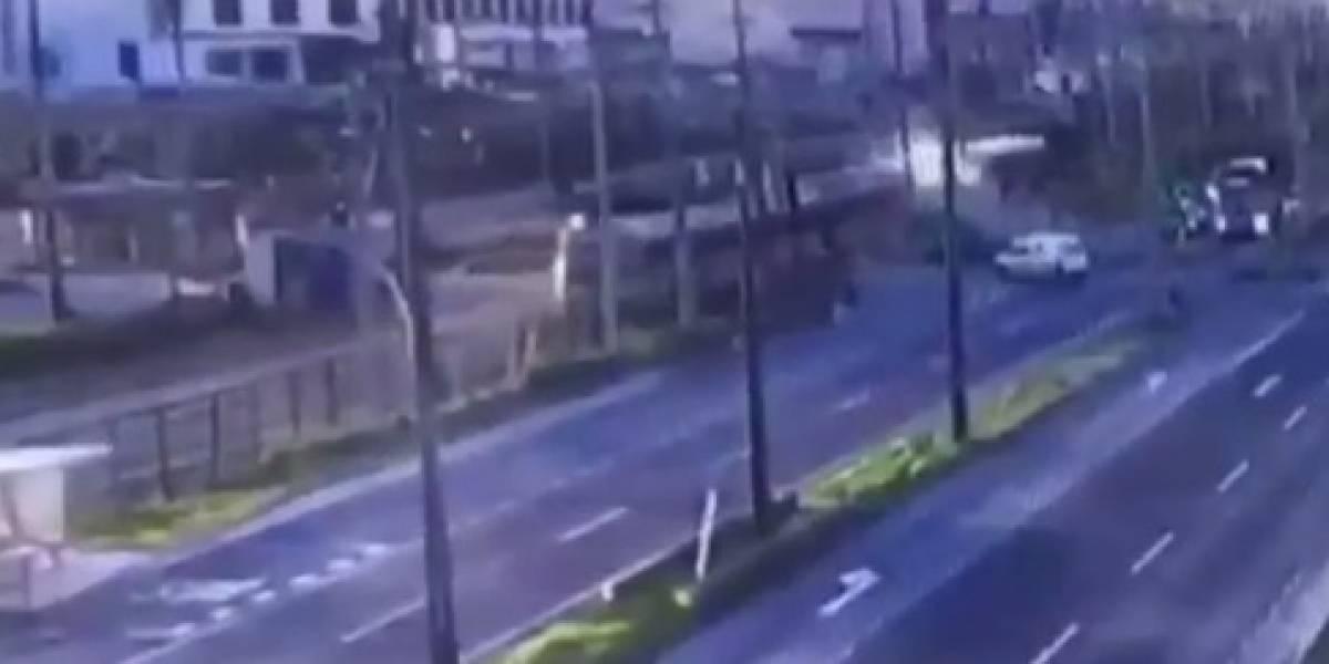 Biotrén arrolla a camioneta en Concepción y deja una persona fallecida