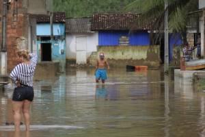 https://www.metrojornal.com.br/foco/2017/12/18/alerta-de-desastres-naturais-por-sms-comeca-funcionar-em-mais-tres-estados.html