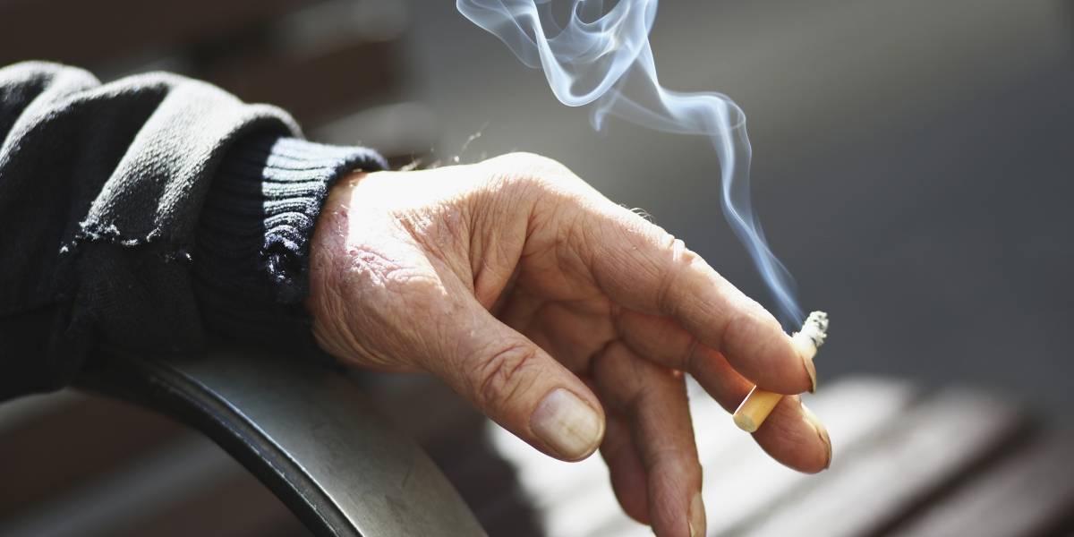 Papa Francisco proíbe venda de cigarros no Vaticano
