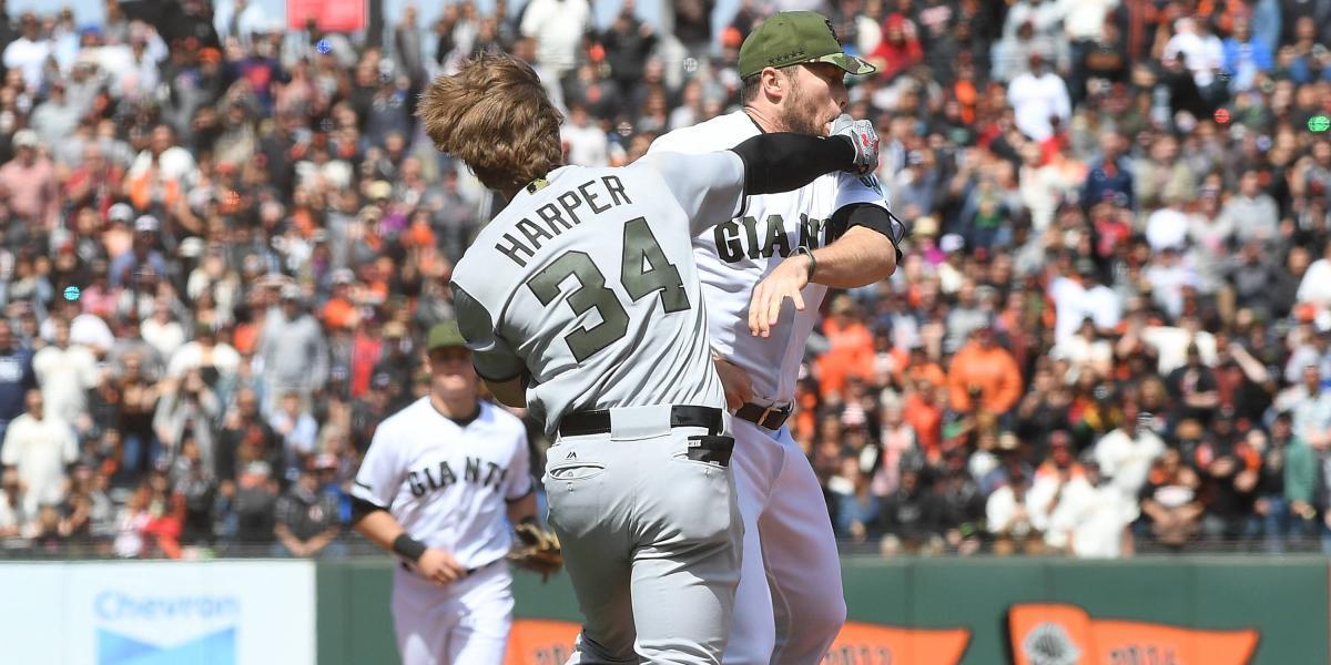 Suspenden a Harper y Strickland por protagonizar pelea