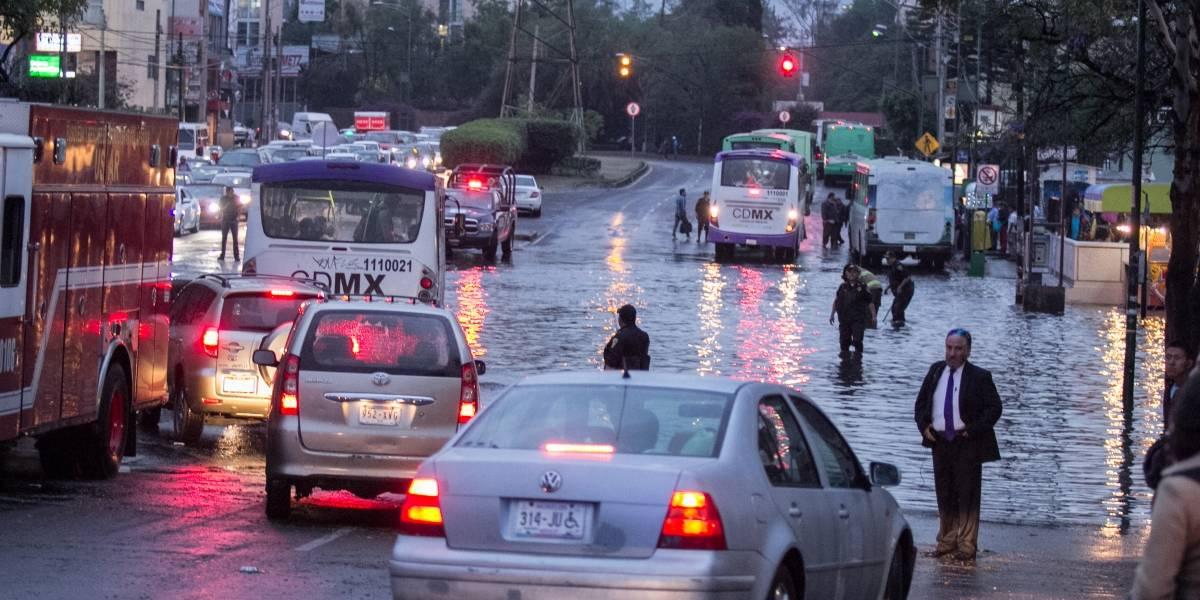 Continuarán fuertes lluvias en casi todo el país