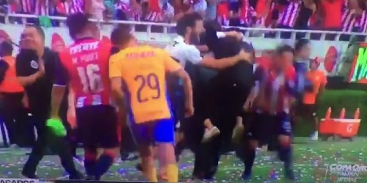 VIDEO: Filtran el momento exacto donde Dueñas agredió primero a Ponce
