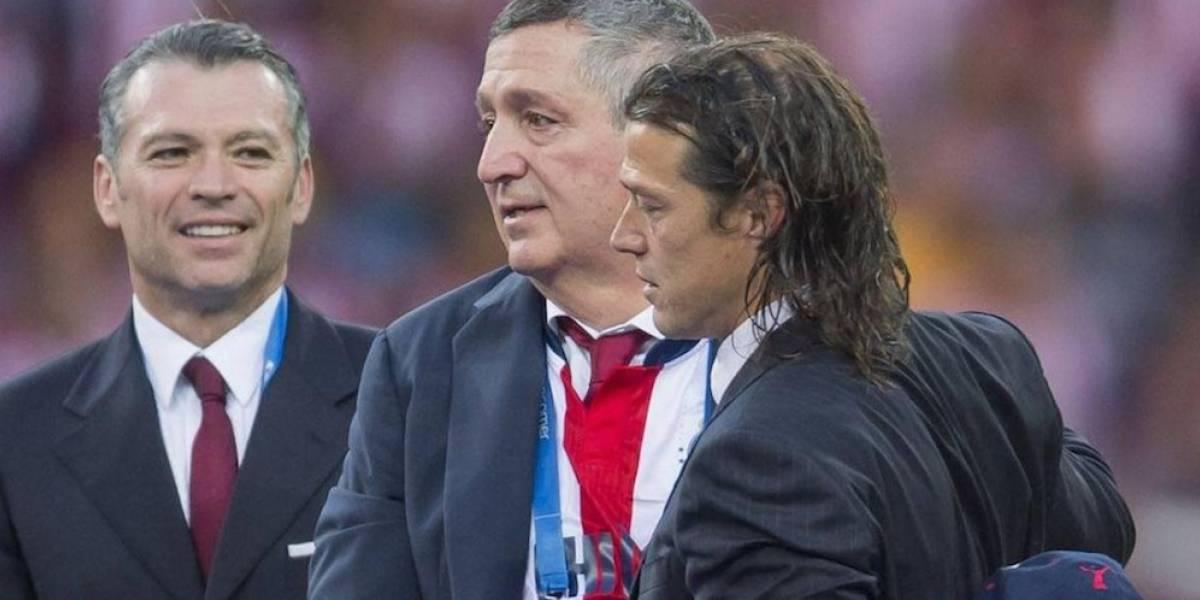 Jorge Vergara denunció que fans de Tigres lo agredieron