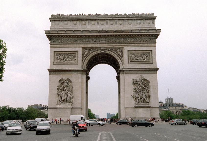 Frustran aparente atentado terrorista en París