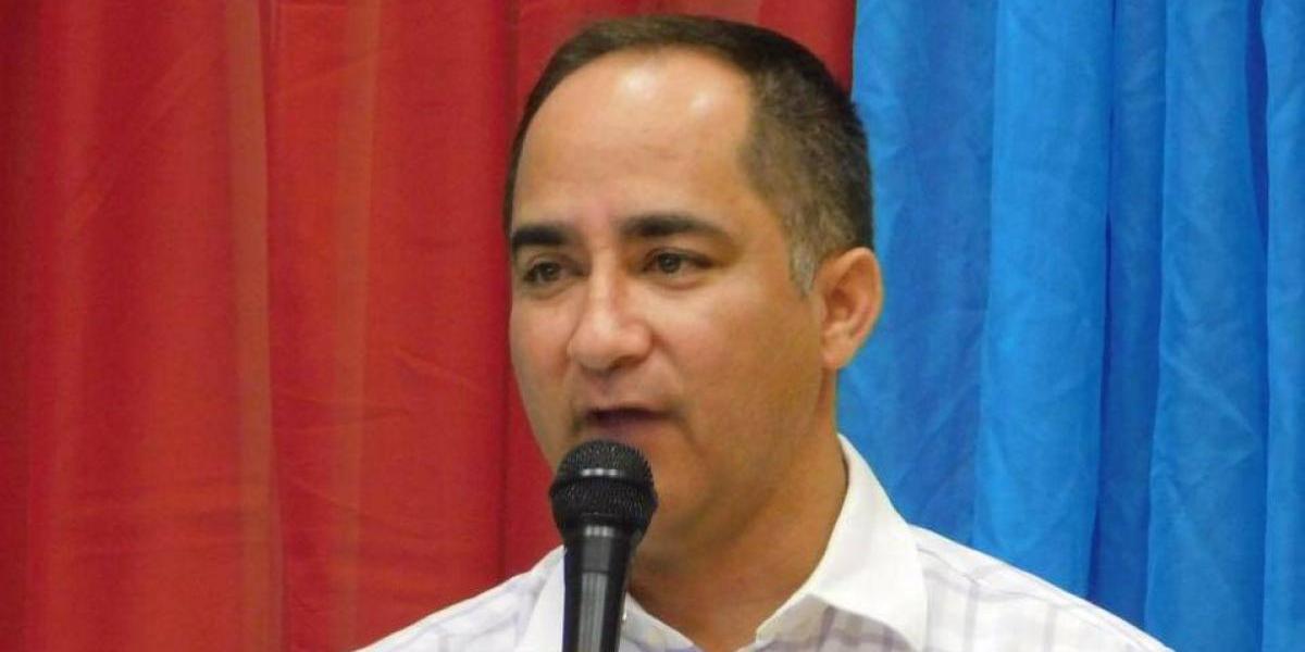 Denuncian que alcalde vuelve a violar la Ley de Municipios