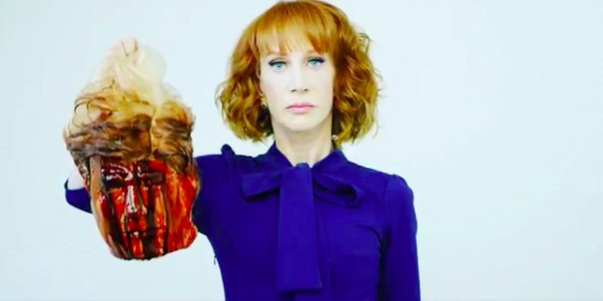 "Kathy Griffin ""decapita"" a Donald Trump"