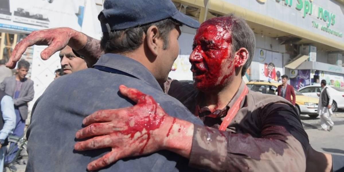 Sangriento inicio del ramadán: las crudas imágenes tras atentado que dejó al menos 80 muertos en Afganistán