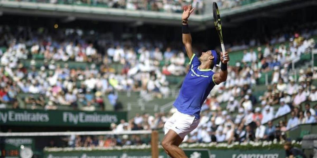 Nadal y Djokovic avanzan a paso firme en Roland Garros