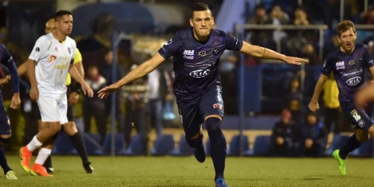 Isaac Díaz se lució en la Sudamericana: con un hat-trick lideró goleada de Sol de América