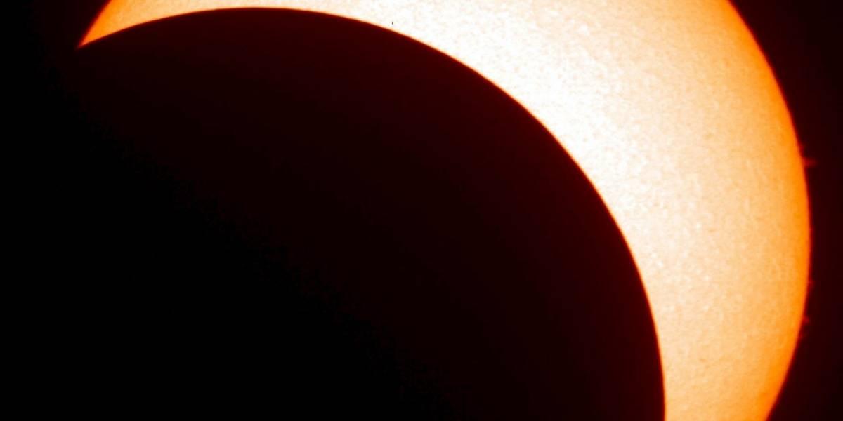 NASA lanzará primera sonda que atravesará atmósfera del Sol