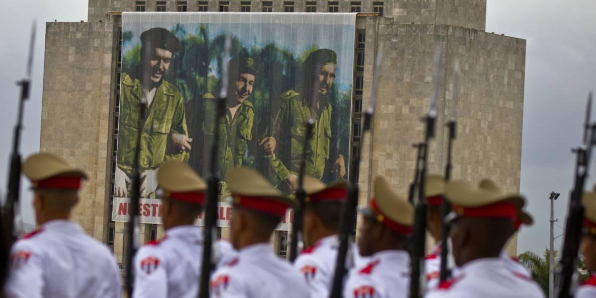 Defienden unipartidismo en Cuba