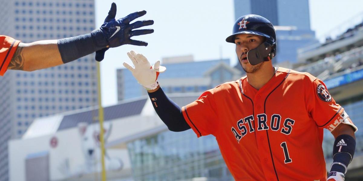 Carlos Correa domina a Santiago y pone al frente a los Astros