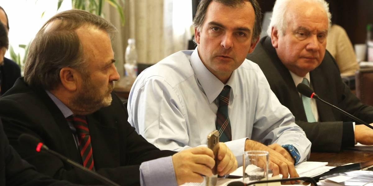 Comisión de Hacienda despachó a sala proyecto sobre elección de intendentes
