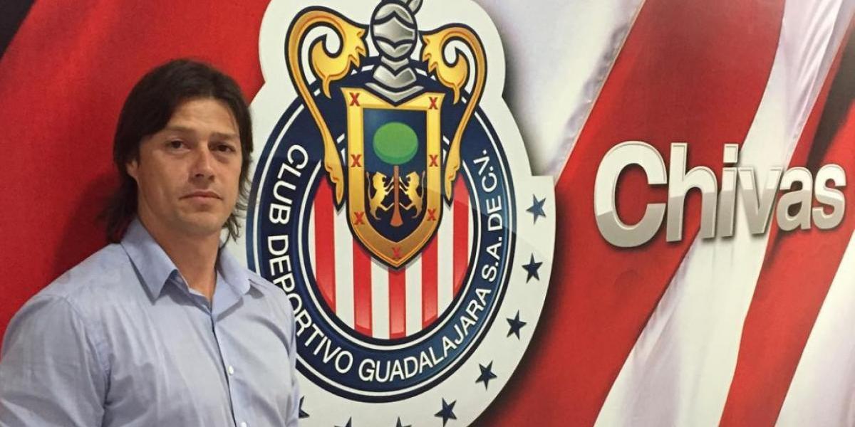 ¡No cumplió! Matías Almeyda no se tatuó el escudo de Chivas como lo prometió