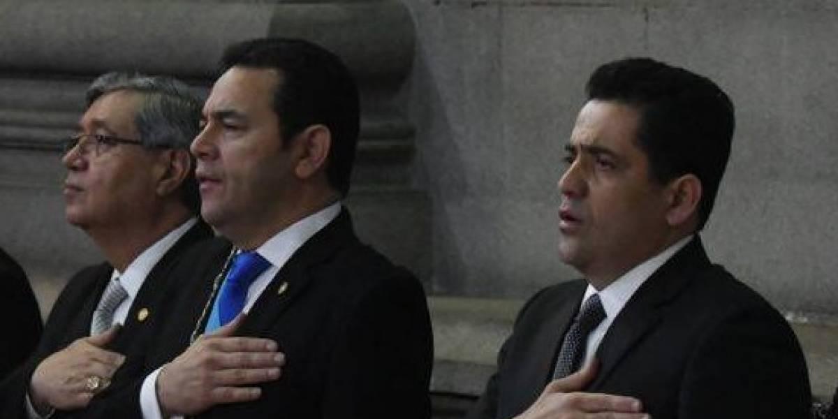 Presidentes de los tres organismos del Estado y la CC divididos por reforma a la Constitución