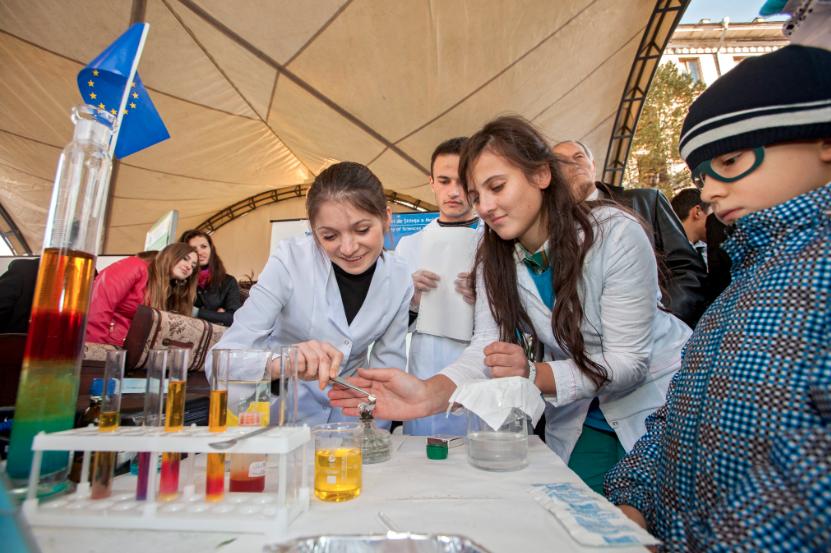 Día de la ciencia terminó en tragedia en colegio de Bogotá