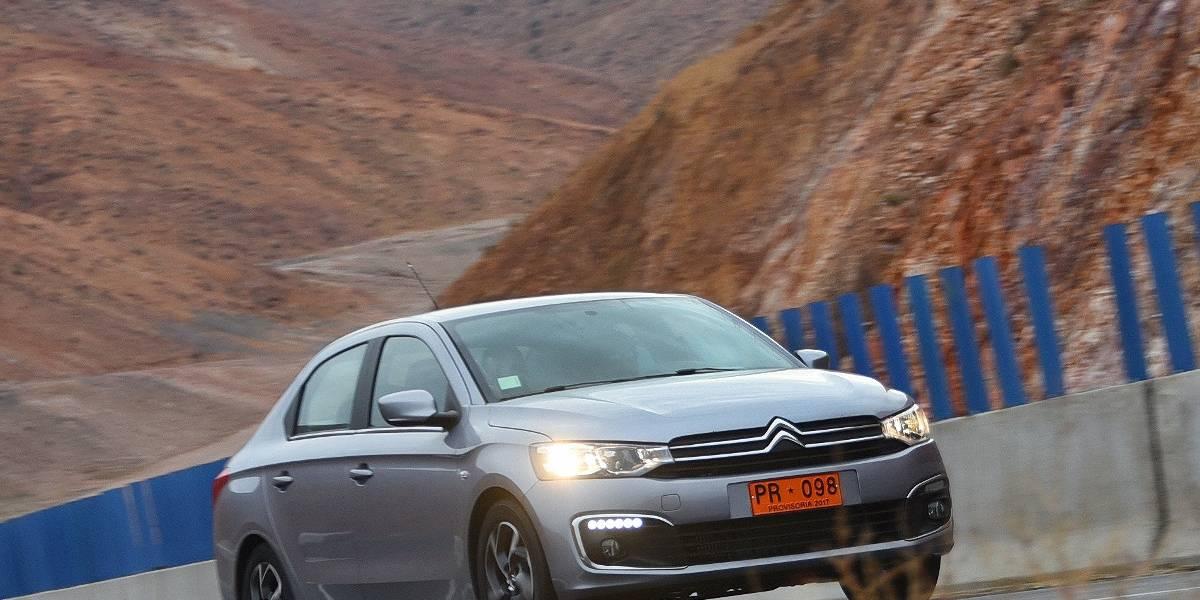 El Citroën C-Elysée se renueva en el desierto