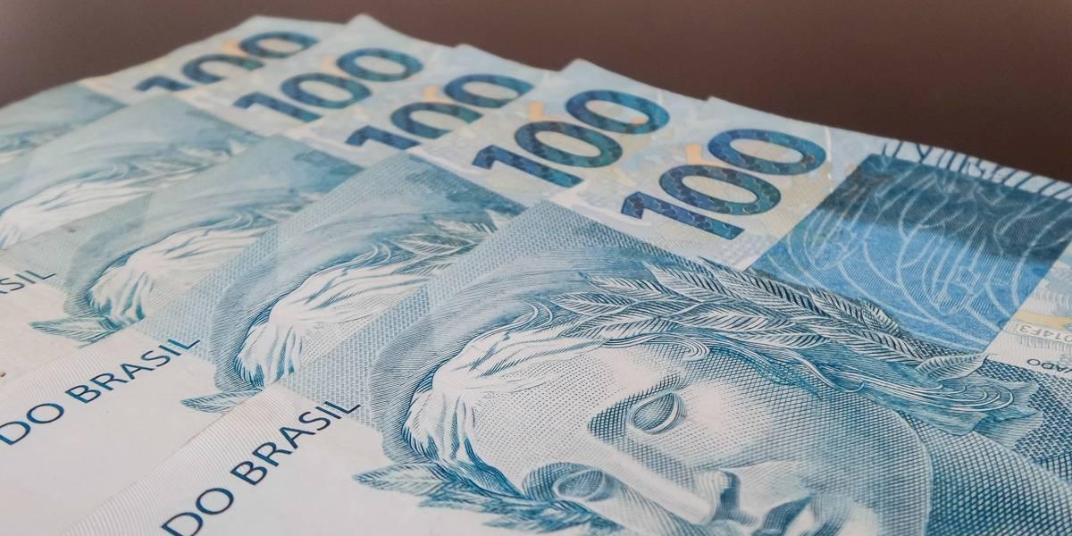 Receita começa a pagar 2º lote de restituição do Imposto de Renda