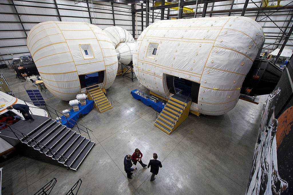 NASA Deputy Administrator Inspects New Technologies At Bigelow Aerospace Facilities