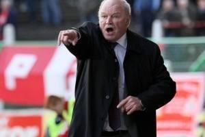 3º Ronnie Mcfall: Los 30 años que estuvo en el Portadown de Irlanda le permiten quedarse con el tercer lugar de este ranking. Ganó cuatro títulos de Liga Irlandesa, tres Copa Irlandesa, dos Copa de la Liga de Irlanda, una Copa Oro, dos Copa del Ulster, tr