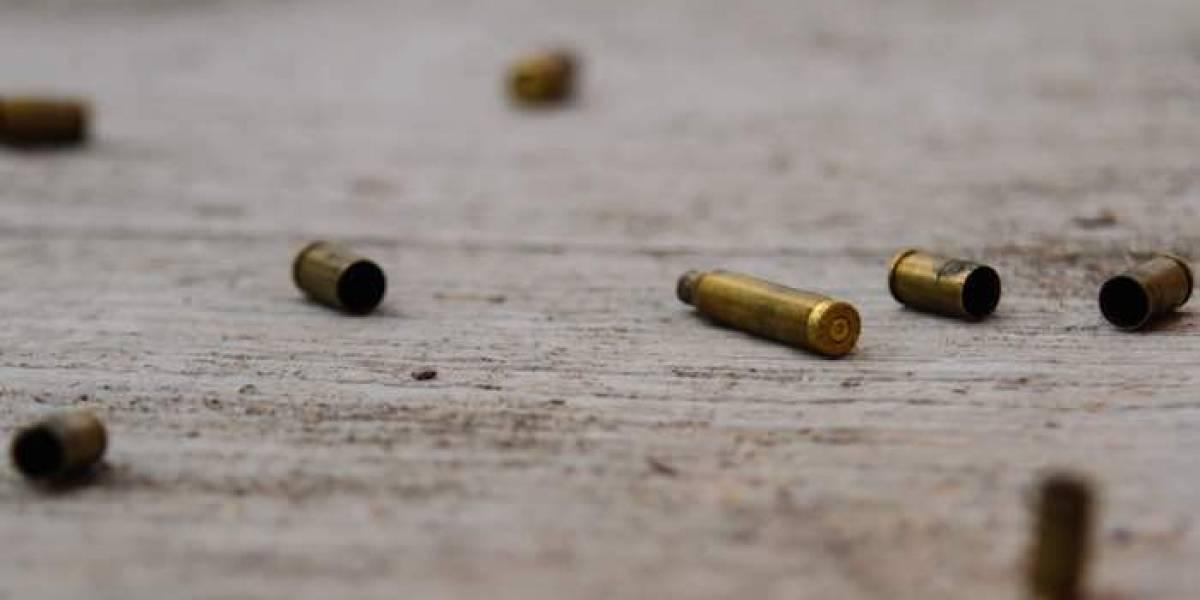 Asesinan a balazos a taxista en la GAM