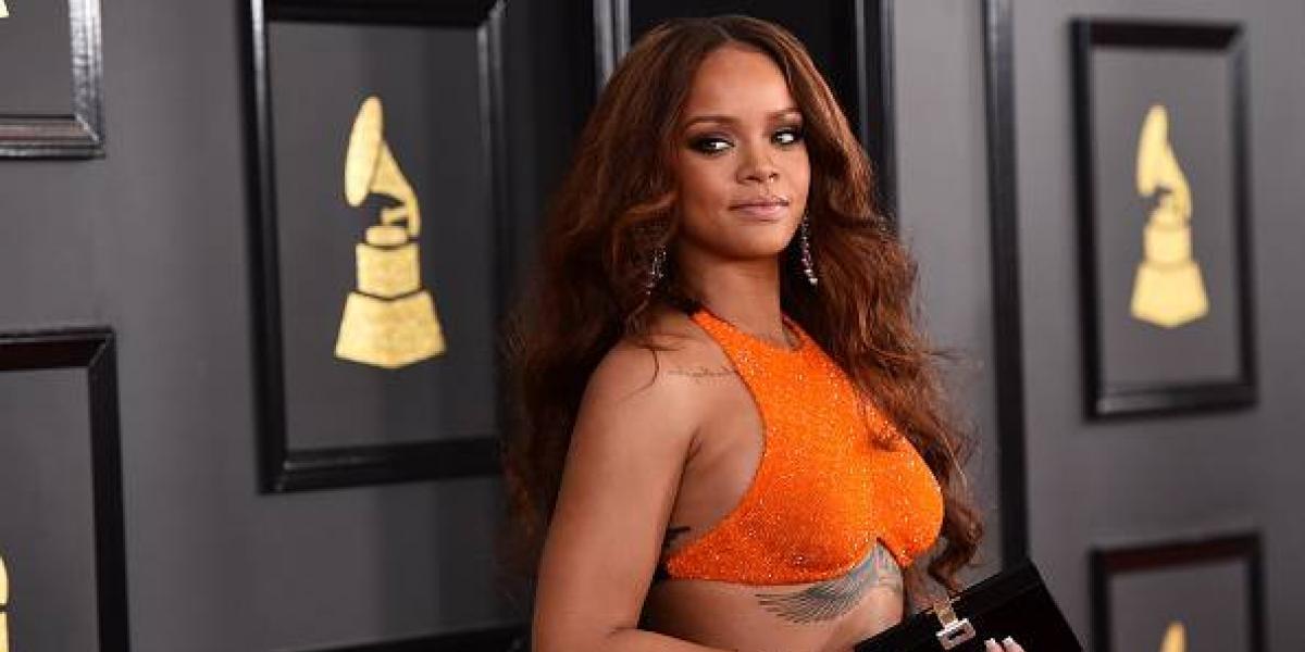 Aseguran que Rihanna está embarazada por estas fotos